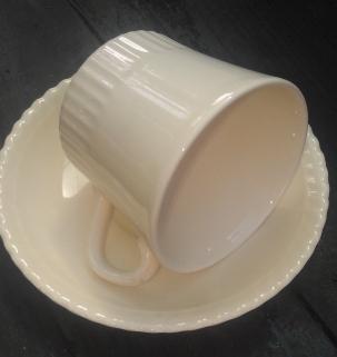 cream johnson bros. - thesecondhandcity.com